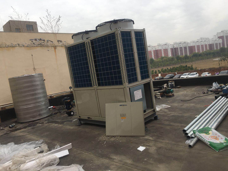 雄安新区安新县宾馆空气源热泵热水工程施工安装现场