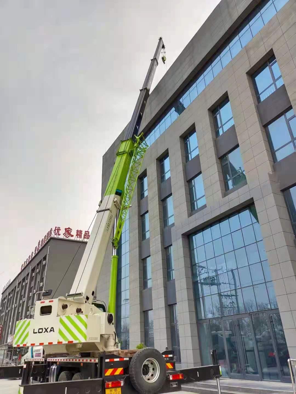 邢台办公楼用空气能热泵模块机组现场(图1)